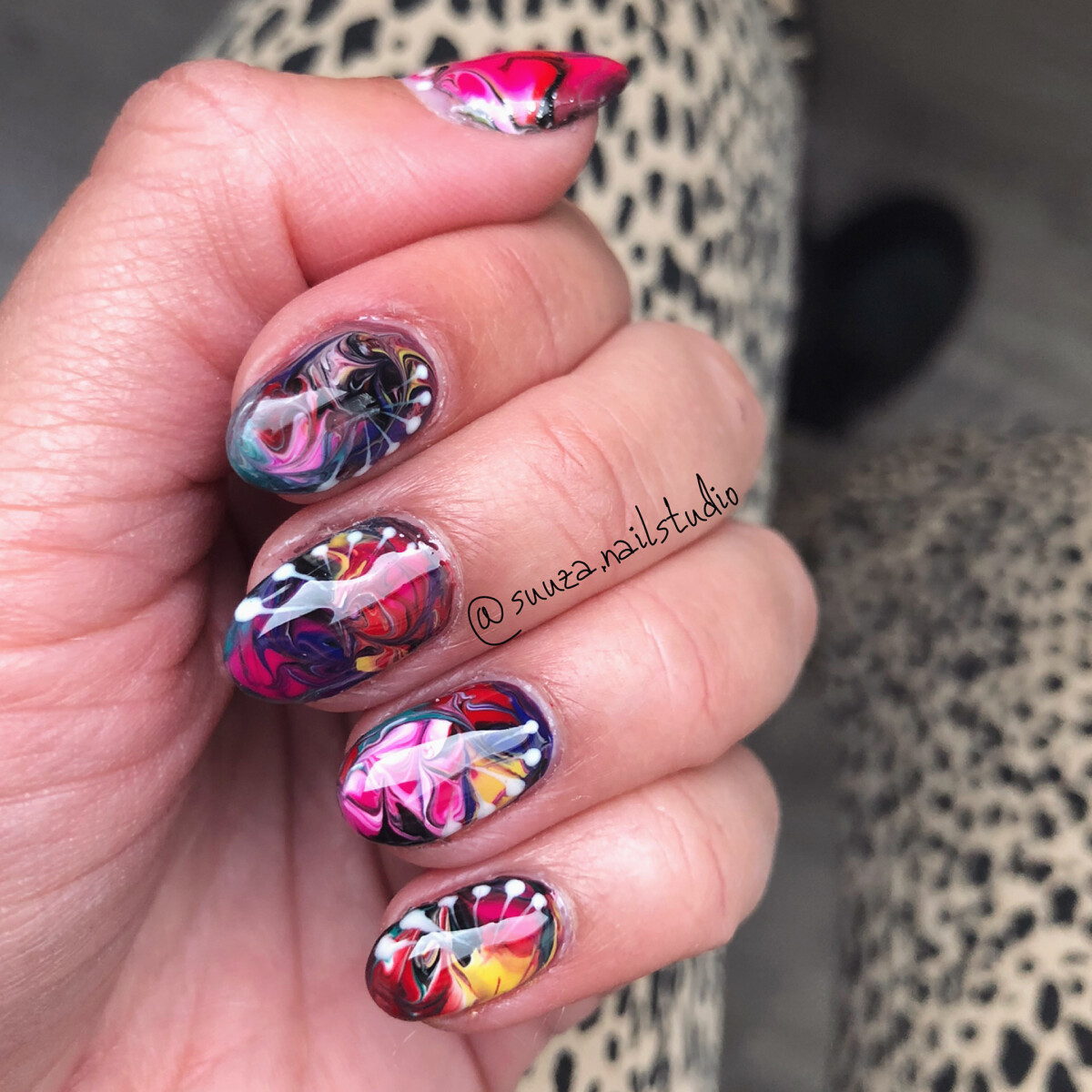 Artistic marble effect nail art