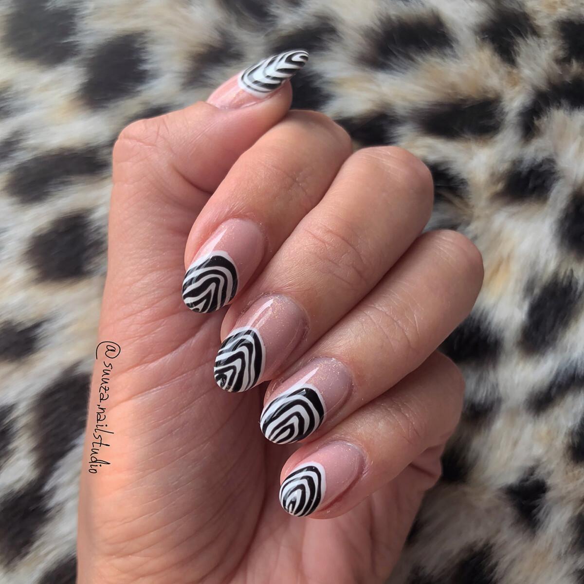 Gelnails basic + nail art extra